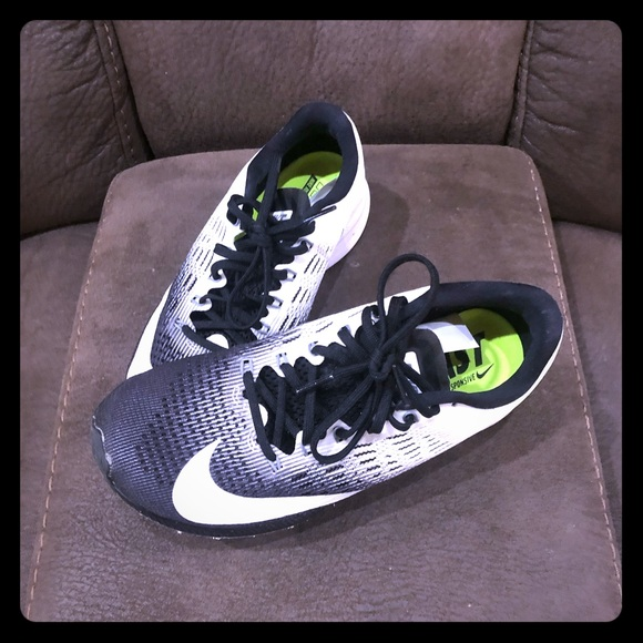 wholesale sales latest online store NIKE RUNNING- run fast! Very light weight.